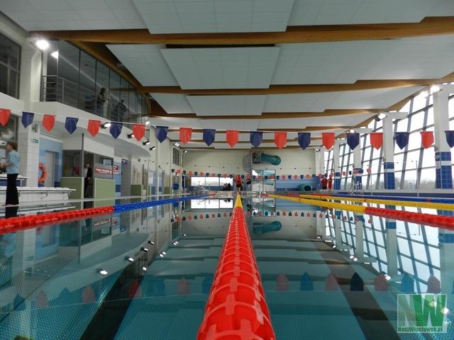 otwarcie-nowego-miedzyosiedlowego-basenu-miejskiego-2012-007
