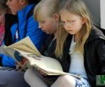 czytamy-juliana-tuwima-na-placu-wolnosci_2013-002