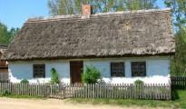 Chałupa z Zalesia w KDPE w Kłóbce, z arch. MZKiD we W-ku, fot. Elżbieta Wróblewska