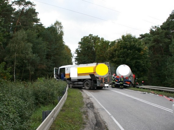 wypadek-drogowy-dwoch-cystern-25-09-2013-0001