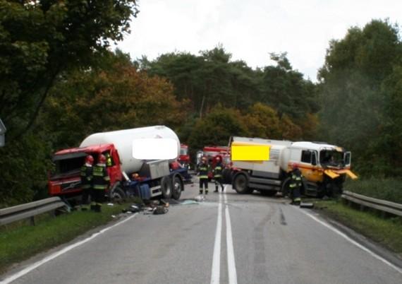 wypadek-drogowy-dwoch-cystern-25-09-2013-0002